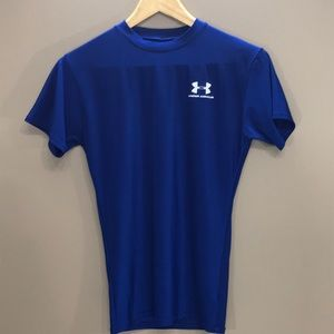 4/$25 UNDER ARMOUR Athletic Top Size LY